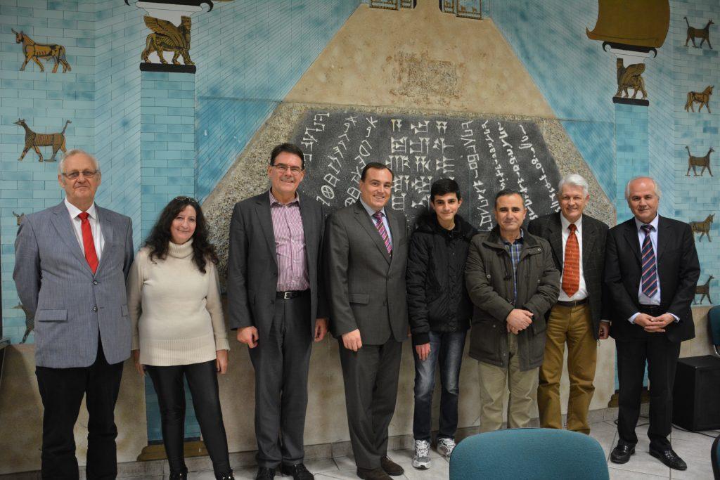 v.l.: Dr. Ortried Kotzian, Marianne Brückl, Andreas Blickle, Bischof Paul Hepp, Lauris A., Dr. Farid A., Horst Schmid, Issa Hanna (Foto: Abdulmesih BarAbraham)
